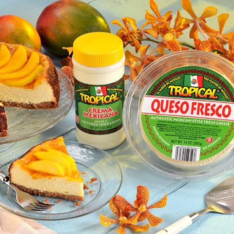 Torta de queso fresco tropical con mango