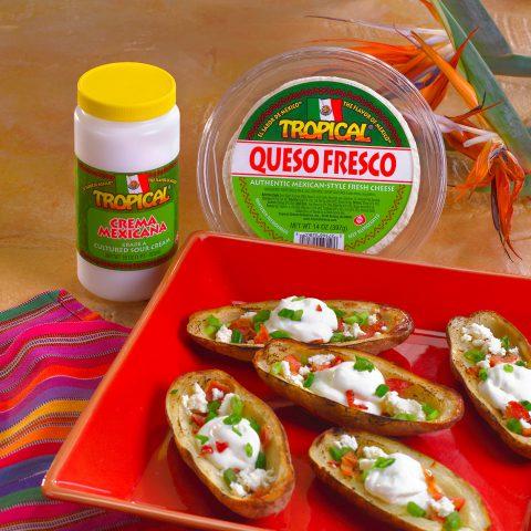Pieles de papa con queso fresco mexicano